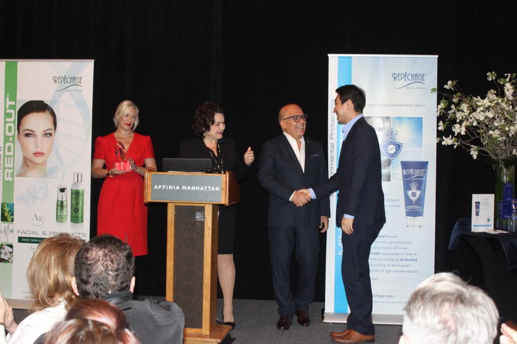 (Jason Shin of Prestige Cosmetic Korea accepting the Distributor of the Year award)