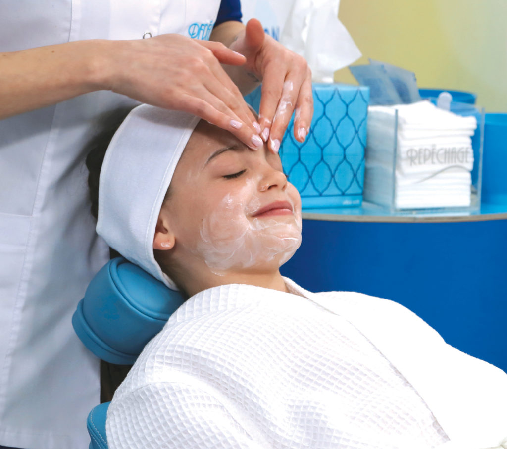 facail massage_kid
